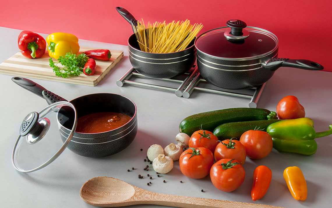 una nonstick 3pc saucepan set - 1